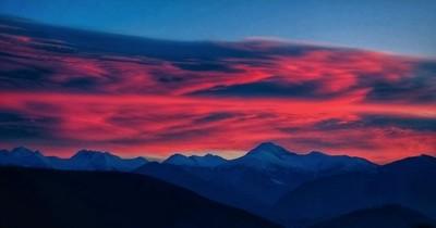 Retezat mountains at sunset