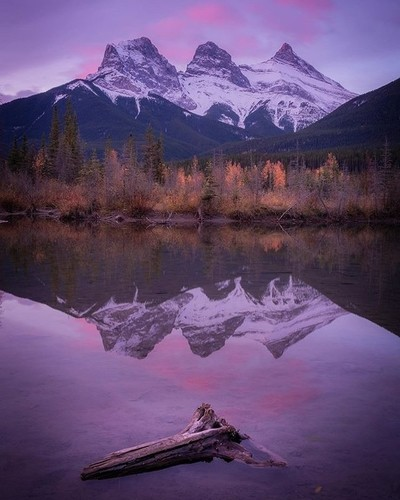 The Three Sisters peaks: Hope, Charity, And Faith . . . #canada #canmore #banff #hiking #hikingadventures #threesisters #travel #traveler #travelersnotebook #wanderlust #hiking_daily #earth_pix #mountains #sunrise #landscapephotography#longexposure #explo