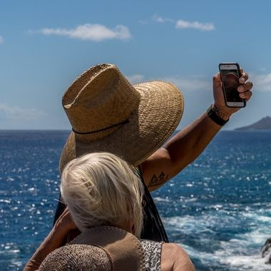 Selfie on the shorelines of Hawaii
