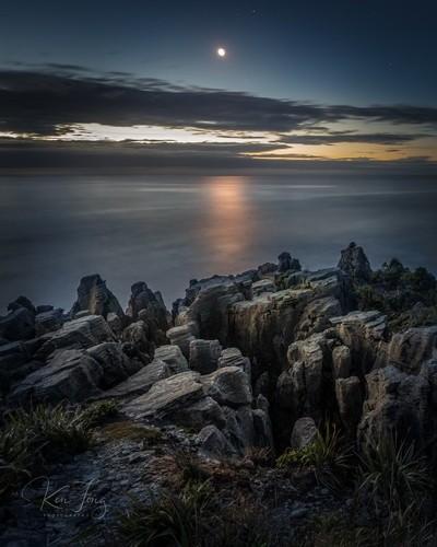 Punakaiki Moonset