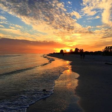 Sanibel Sunset stroll
