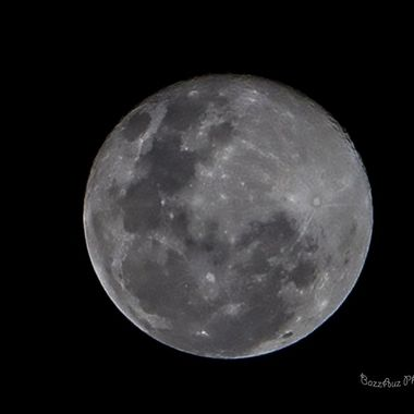 beautiful full moon with clear sky pity i didn't have my 600mm with me