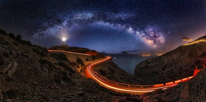 by marcmarcoripoll - The Vast Milky Way Photo Contest