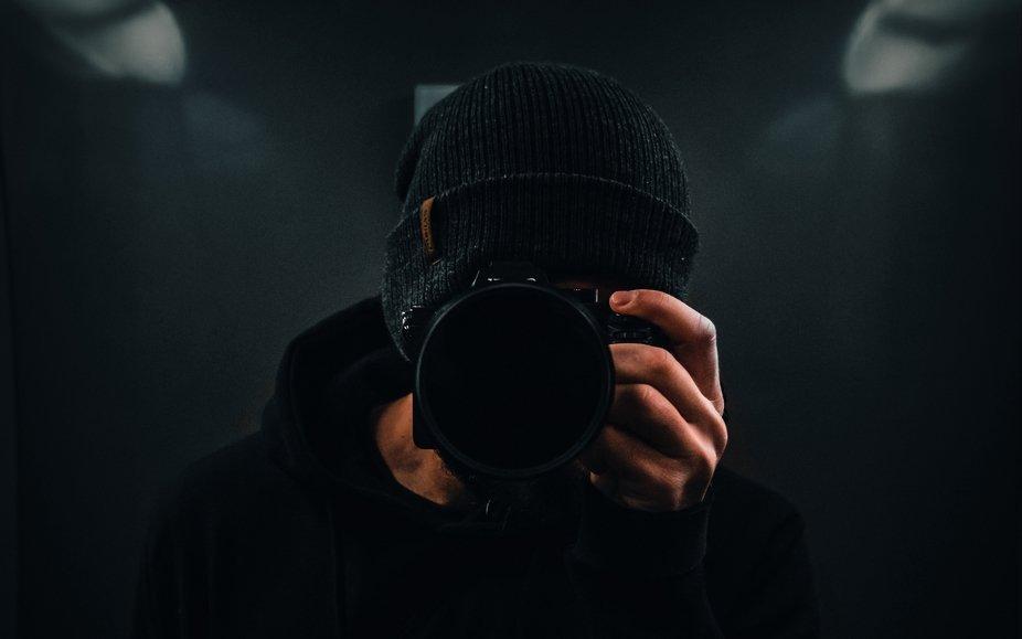 photographer_camera_dark_133781_3840x2400 (2)