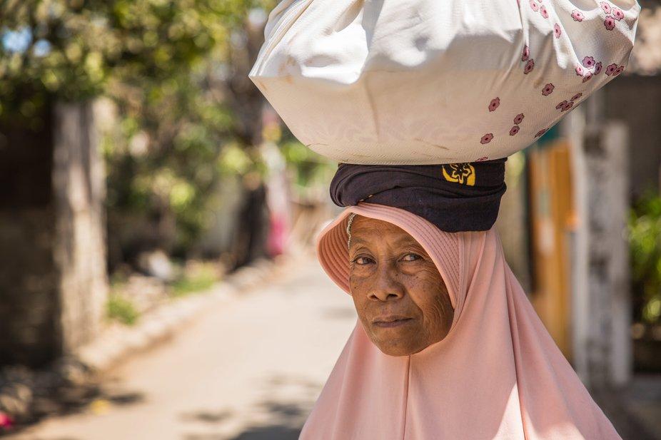 Gili's Merchant Woman