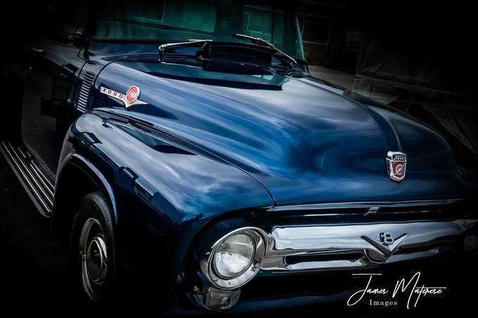 Blue Ford F100