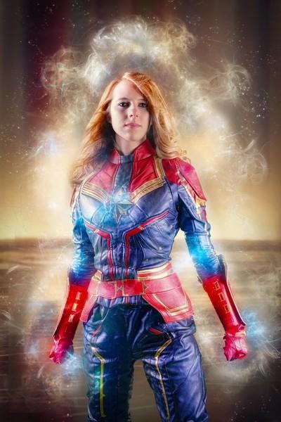 Capt. Marvel Cosplay w BB