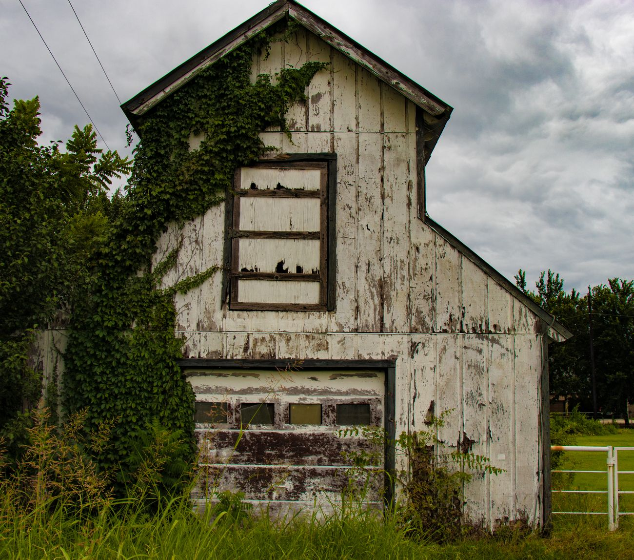 An old building I found, needs a good coat of paint