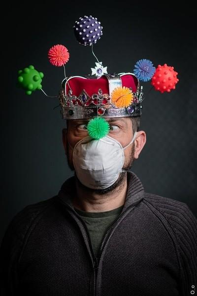 Couronne à virus - 1