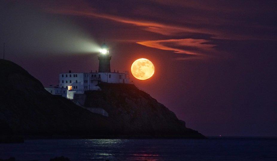 Baily lighthouse super moon