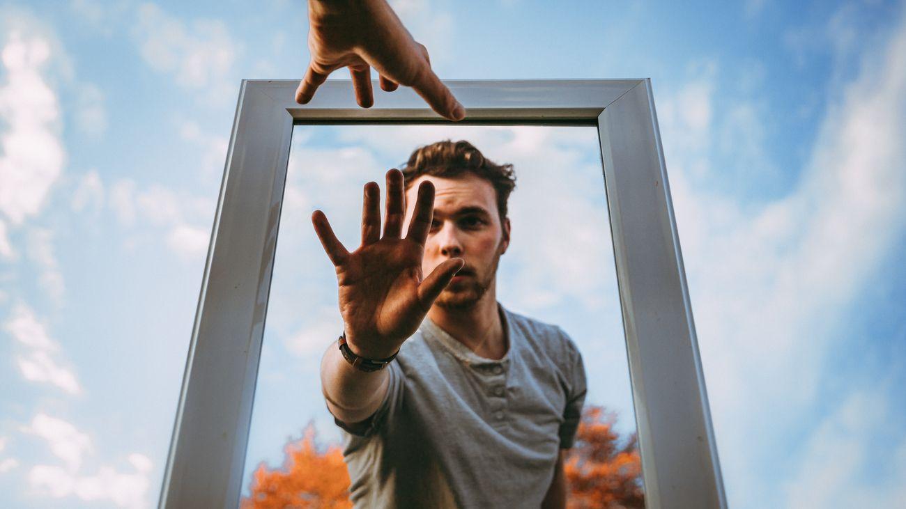 Mirror Instant Photo Contest Winner