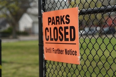 Parks closed spring 2020 social distancing
