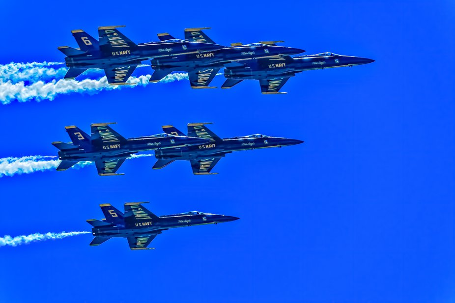 U.S. Navy Blue Angels flying for first responders and all who work on the front lines during COVI...