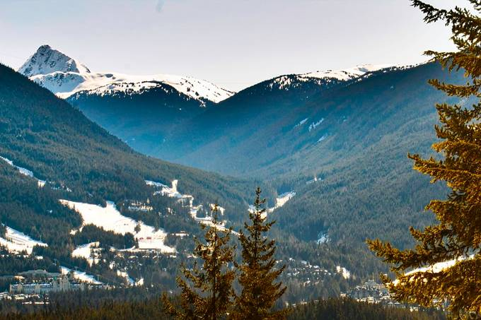 Whistler and Blackcomb mountain, with view on the Fairmont Chateau Whistler to the left. Taken 5 minutes behind my house.