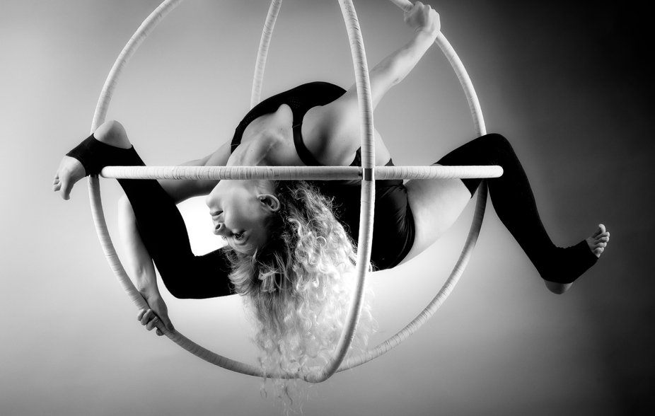 Black and white is already my thing, but add bendy and you're in my wheelhouse! :)