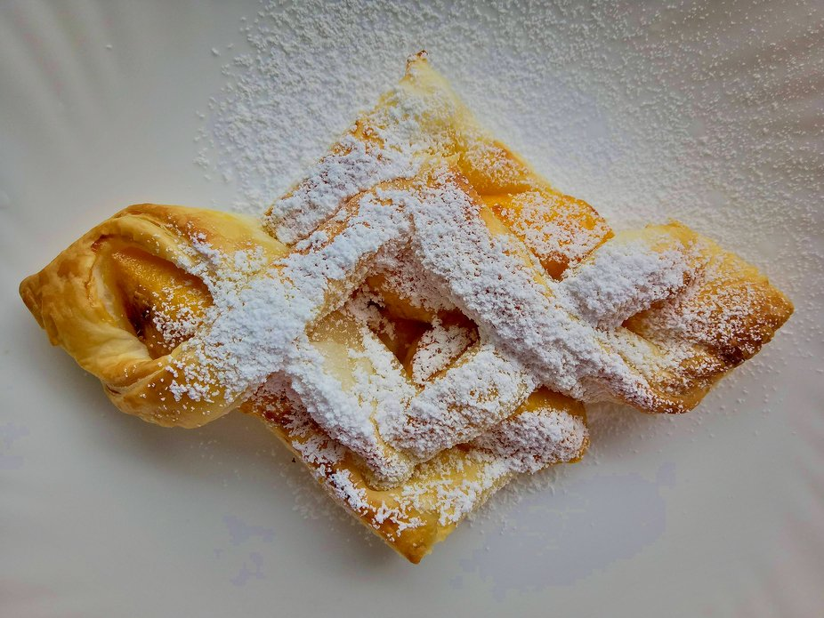 Mango in Pastry Puff