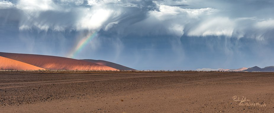 Looks like a big storm is coming over the Namib Desert - but at end - NO RAIN