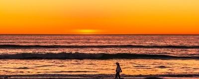 Sunset color lit the ocean