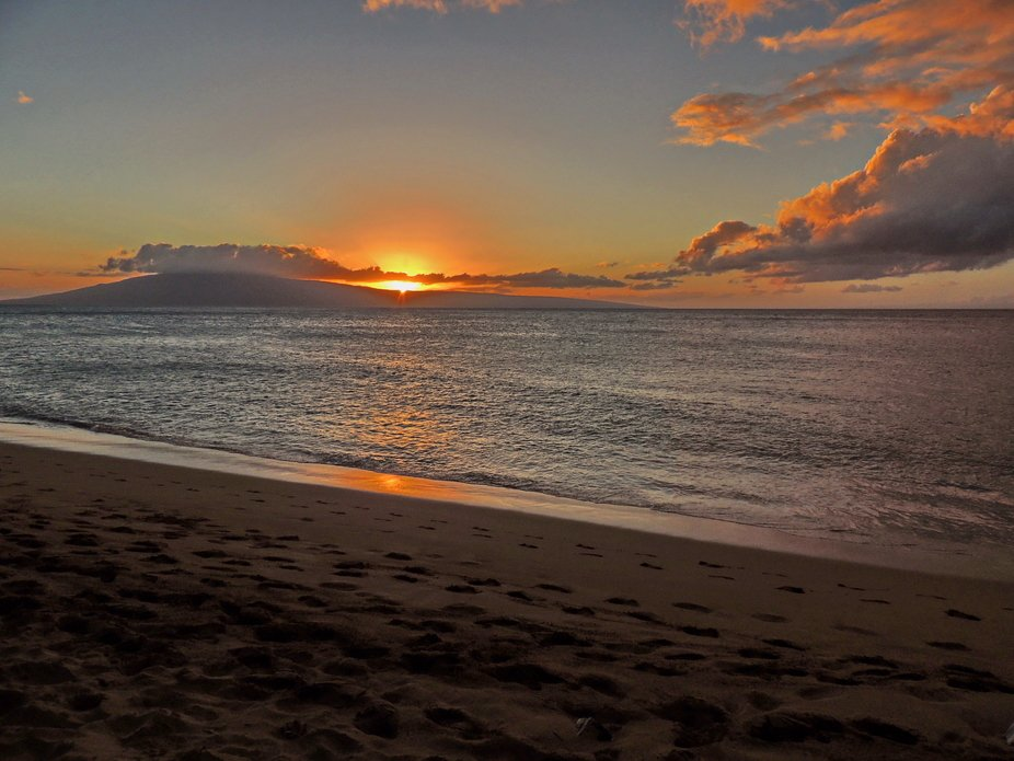 Maui Sunset (Lāhainā, Maui Hawai'i - 2018 December 06)