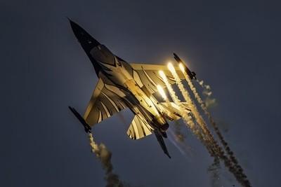 F16 -fb-