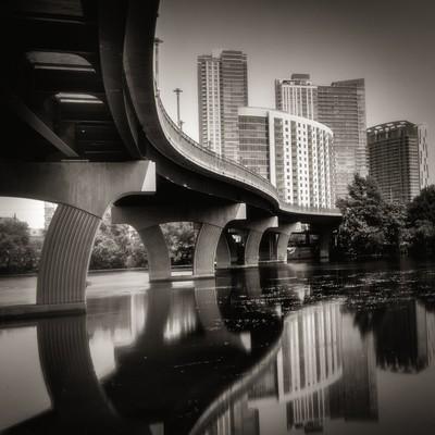 Swirvy Bridgey