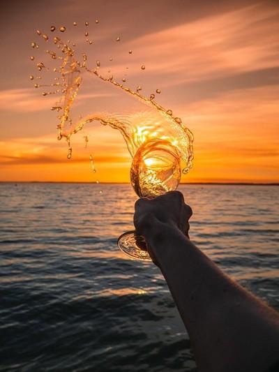 Water splash throw