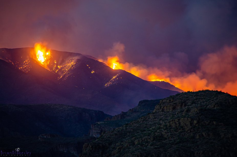 Images of the Bush Fire, which is burning in the Tonto Wilderness in central AZ