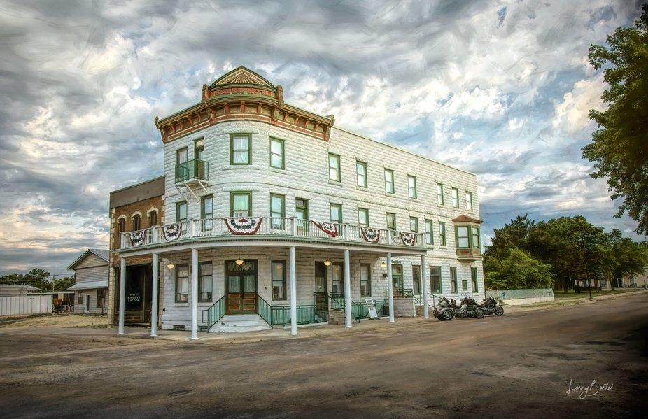 Weaver Hotel - Waterville, KS