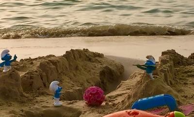 oooooh noooo not on the beach ????