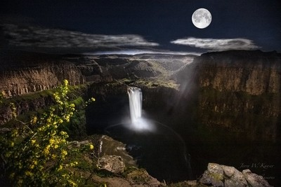 Palouse Falls State Park under a full moon.