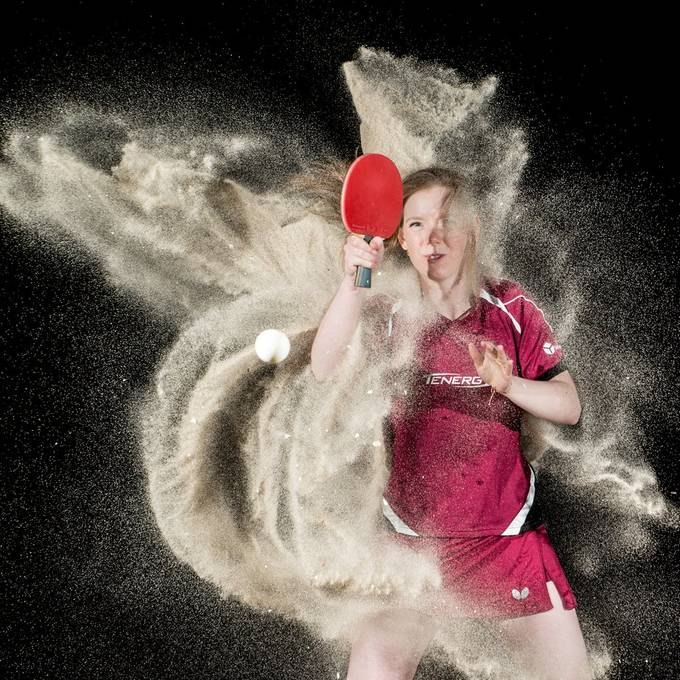 Sand shoot on the beach with Britt Eerland, Dutch table tennis olympian (britteerland.nl).  20200521 Britt 380_5.JPG
