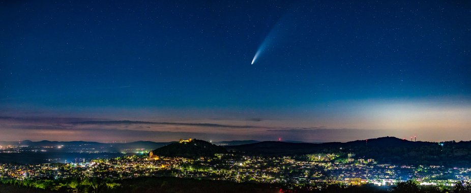 In a warm june night catched neowise over the city of Homberg(Efze) in hesse, central germany