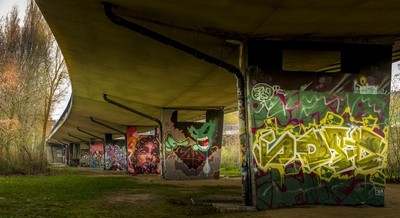 Graffitis sous le pont