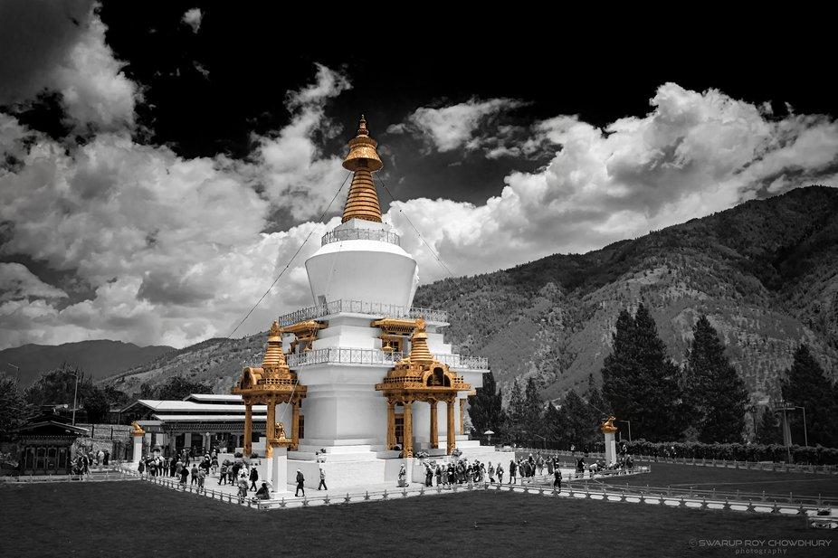 The Chorten (Stupa), built in 1974 to honor the third Druk Gyalpo, Jigme Dorji Wangchuck (1928–...