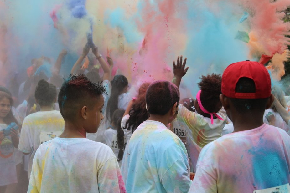 I took photos at my younger brother's color fun run in 2017.