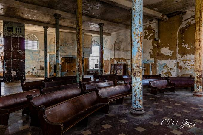 Finally got a chance to go to The Ohio State Reformatory in Mansfield, OH. This place was in operation until December 1990. It is hard to imagine that people stayed in this place for so long. It is said a lot of paranormal activity is this old prison. I didn't see any weird but I did feel very uneasy in a couple rooms.