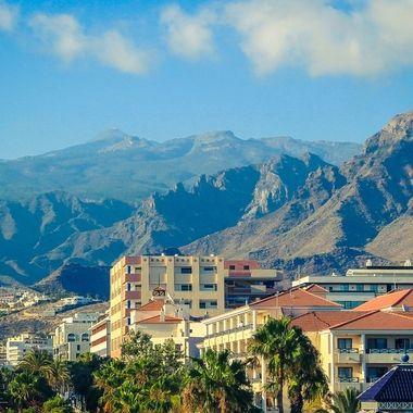 Mountain landscape behind Los Cristianos