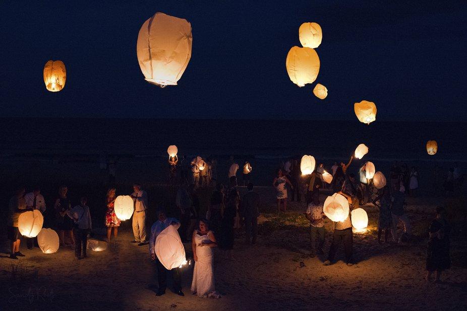Wedding photography - Lantern release
