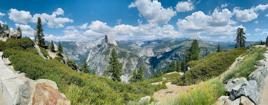 The view at Glacier Point in Yosemite National Park.