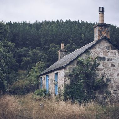 A hovel along the seven bridges walk in Ballater, Scotland
