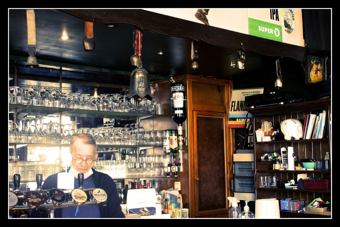 Is an old Nostalgic cafe. I am making a full report about it on my Blog Everywhere there are pictures from the old days Even the Toog and the café boss is nostalgic https://groetenuittienen.blog/ Joyful Greeting Theo-Herbots-Photography