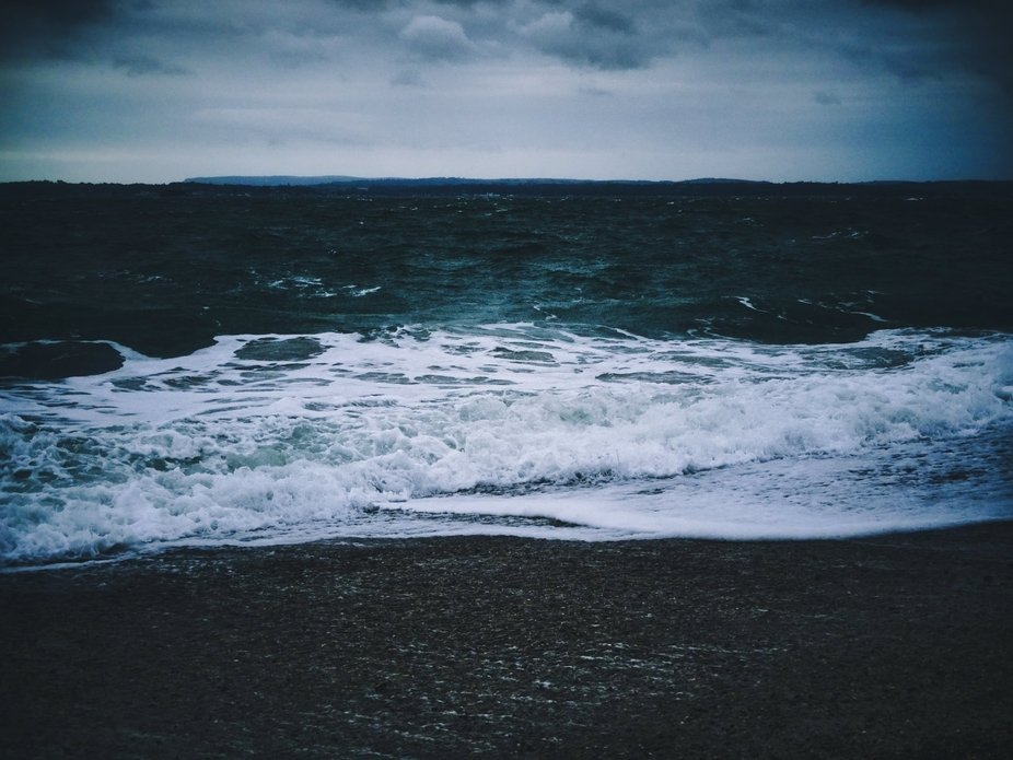 Photo of the sea on a stormy day