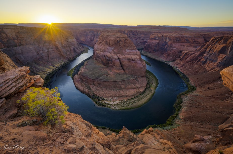 This photo was taken on my second visit to the iconic Horseshoe Bend and the experience was drast...
