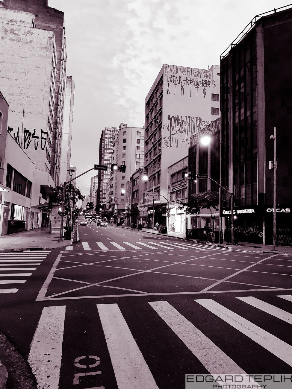 The highlight is  Street  Francisco Glicério with the edition bringing us a futuristic touch. In black and white .