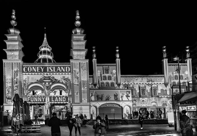 Coney Island (BW)