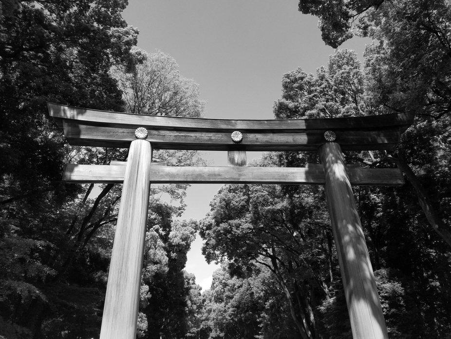 Entrance to Meiji Jingu_Herrmann