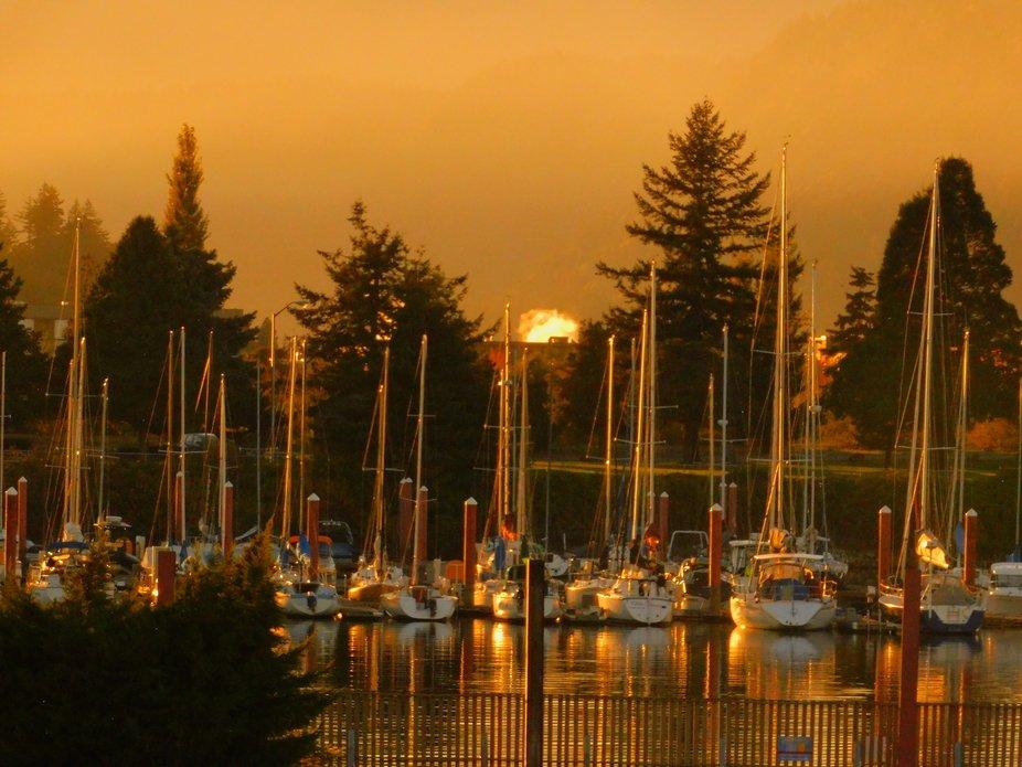 Autumn Sunset at Hood River Marina