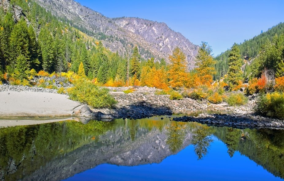 Early in the fall color season for Leavenworth, Washington...