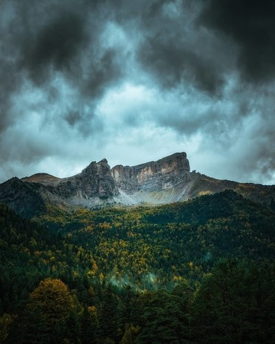 Autumn mood in the mountains