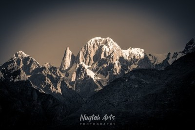 Majestic Peaks